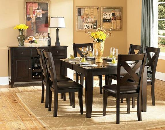 Charmant Dining Table And 6 Chairs As It Would Look In Your Home.